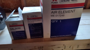 Mitsubishi fuso Air filter, Fuel filter and Oil filter.