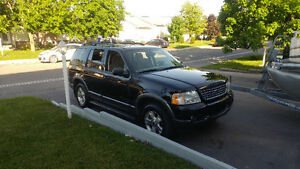 2003 Ford Explorer 7 passagers 4x4 SUV, Crossover