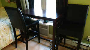 Bar height table w/ 2 high chairs