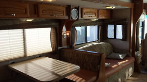 Ready for the road 2005 Class A Motorhome 35 Ft.