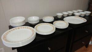 Corelle Dish Set (Large)