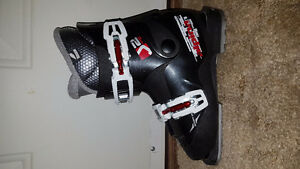 KIDS SKI AND SNOWBOARD BOOTS