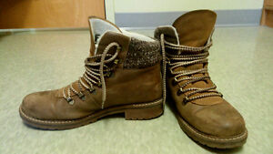Brown Leather Womens' Winter Boots for Sale