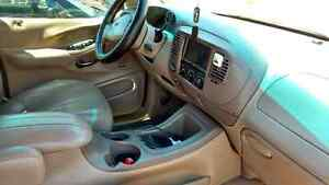 1998 Ford Expedition Eddie Bauer SUV, Crossover