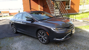 2015 Chrysler 200-C Berline couleur Cristal Granit