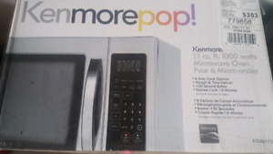 Brand new small microwave kenmore pop 1.1 cu