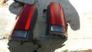 lumiere  arriere rouge  et les plastique gmc savana ,express