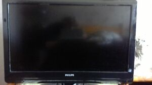 "32"" Philips flat screen coloured television"