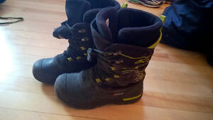 Boys Size 2 WINTER BOOTS