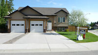 STUNNING 4 BEDROOM, 3 BATH HOME IN SOUTHVIEW!