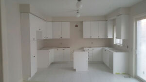 Brand new Kitchen Cabinet Set ( WHITE ) WHOLE SET FOR SALE
