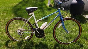 """Vélo de montagne pour femme 20"""""""