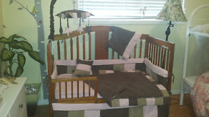 Bedding set for crib/nursery