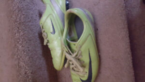 BOYS NIKE MERCURIAL SOCCER SHOES