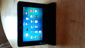 32 GB BlackBerry Play Book Tablet (like new)