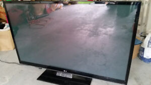 """TV 60"""" - LG television set with remote control & hanging bracket"""