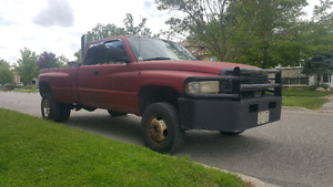 BiG mEaN and UgLy Dodge Ram