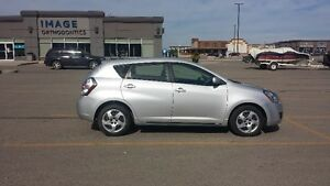 Only 33k!!!! 2009 Pontiac Vibe Hatchback, command start