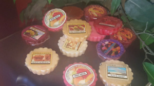 13 wax melts for $10.. New in package