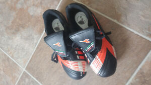 New Diadora Soccer Cleats size 13Y