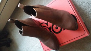 Brand New - Ladies Leather Ankle Boot London Ontario image 2