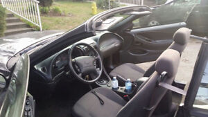2003 FORD MUSTANG Convertible Fully Loaded mint condition