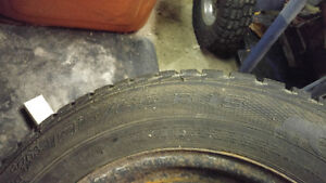 Almost new Winter tires set of 4 195/65/15 $200.00 Peterborough Peterborough Area image 3