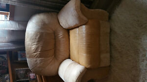 X LARGE COMFY LEATHER RECLINER