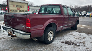 1999 Ford F-250 Pickup Truck London Ontario image 5