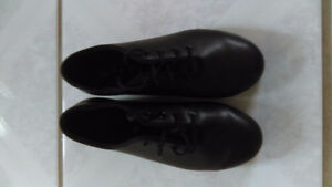 GIRLS BLOCH TAP SHOES - SIZE 13.5