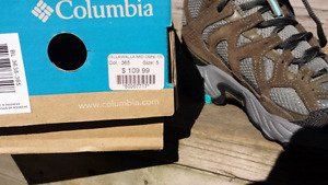 Columbia hiking shoes. Ladies 5.