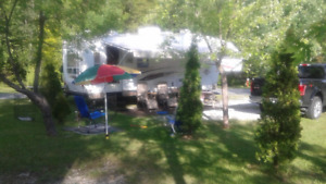 caravane à selette ( fifthwheel ) de 27 '