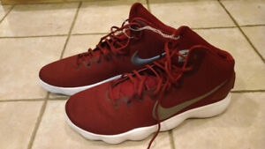 951aa4e5cad8 Nike Hyperdunk 2017 Basketball Shoes Burgundy Silver Siz 19   20