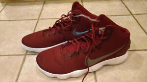 2c8235bc8cf0 Nike Hyperdunk 2017 Basketball Shoes Burgundy Silver Siz 19   20