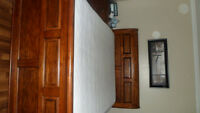 bedroom set - solid wood - excellent condition