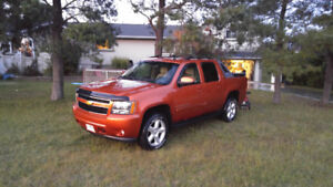2007 Chevrolet Avalanche no need for 2 trucks. Will sell/trade