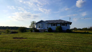 Country Gem (furnished) 4 month lease!  QEW ramp 200m away