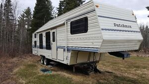 32' Dutchmen Fifth Wheel Trailer