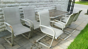 set de patio complet 6 chaises 1 table vitrée1 support parapluie