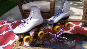 Dominion roller skates SIZE 4