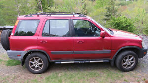 Two 2001 Honda CR-V's Head Edition for parts or rebuild