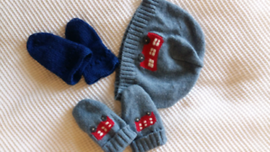 London bus baby beanie and 2x mitten set Balaclava Port Phillip Preview