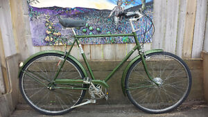 Classic Gentlemens Raleigh Superbe at lumpy bikes
