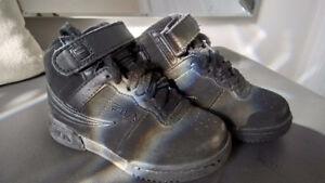 Demi botte / chaussure noir grandeur 11