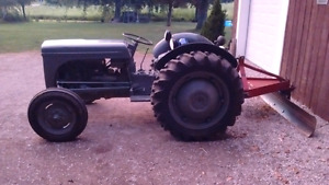 I have a 4cyc 4speed gas tractor FOR SALE