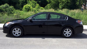 2009 Nissan Altima S Sedan + WINTER TIRES (Michelin)