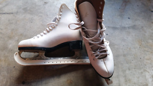 Ladies figure skates size 7