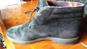 Black suede insulated Hush Puppies size 7 Cambridge Kitchener Area image 5