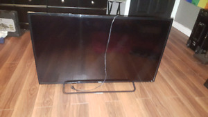 """43"""" Tv With Netflix Built In Only 1 Year"""