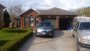 2200sqft Bungalow with pool in luxurious downtown Burlington